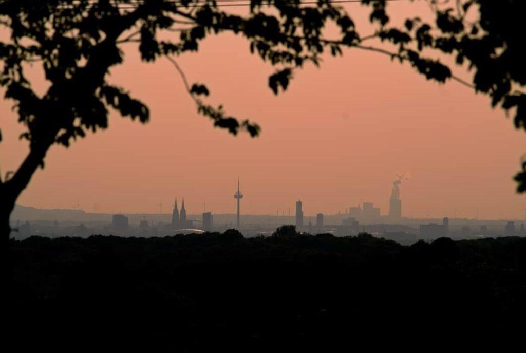 Köln Skyline bei Rösrath